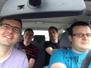 Karel, Mojmír, Ian. Jedeme na Barcamp